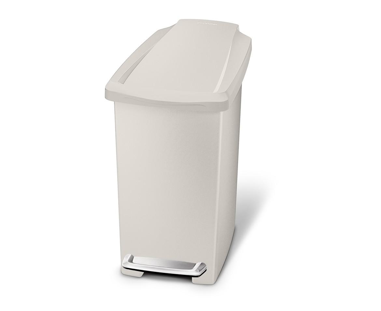 Pedálový odpadkový koš Simplehuman – 10 l, úzký, béžový plast - skladem