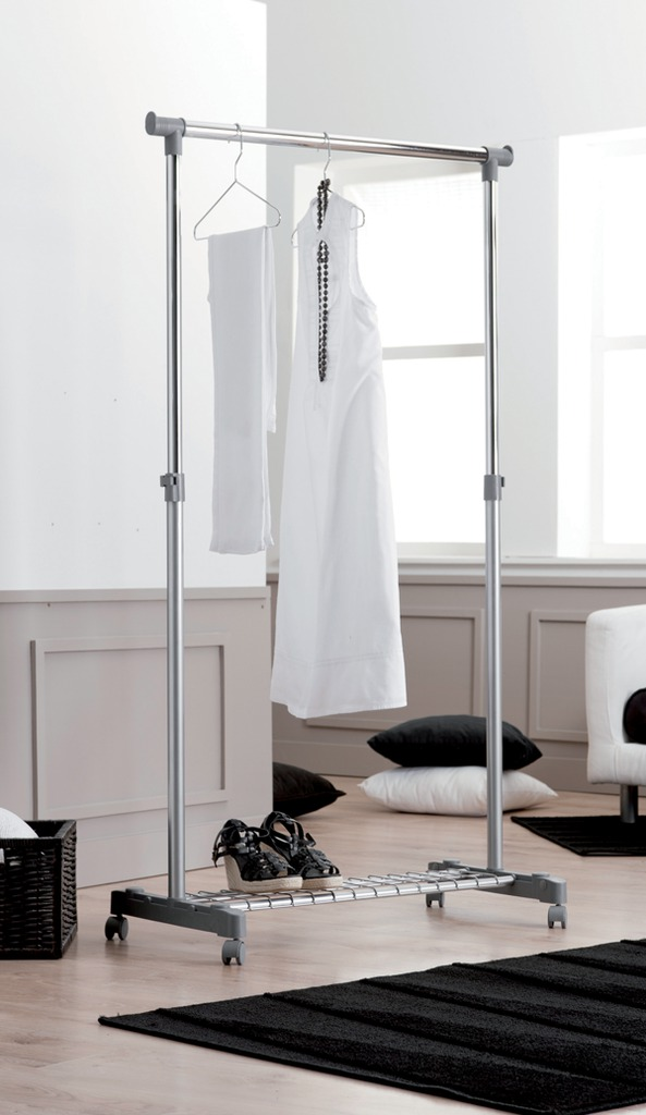 Stojan na šaty Compactor Stender Loft – na kolečkách, výsuvný, s poličkou na boty